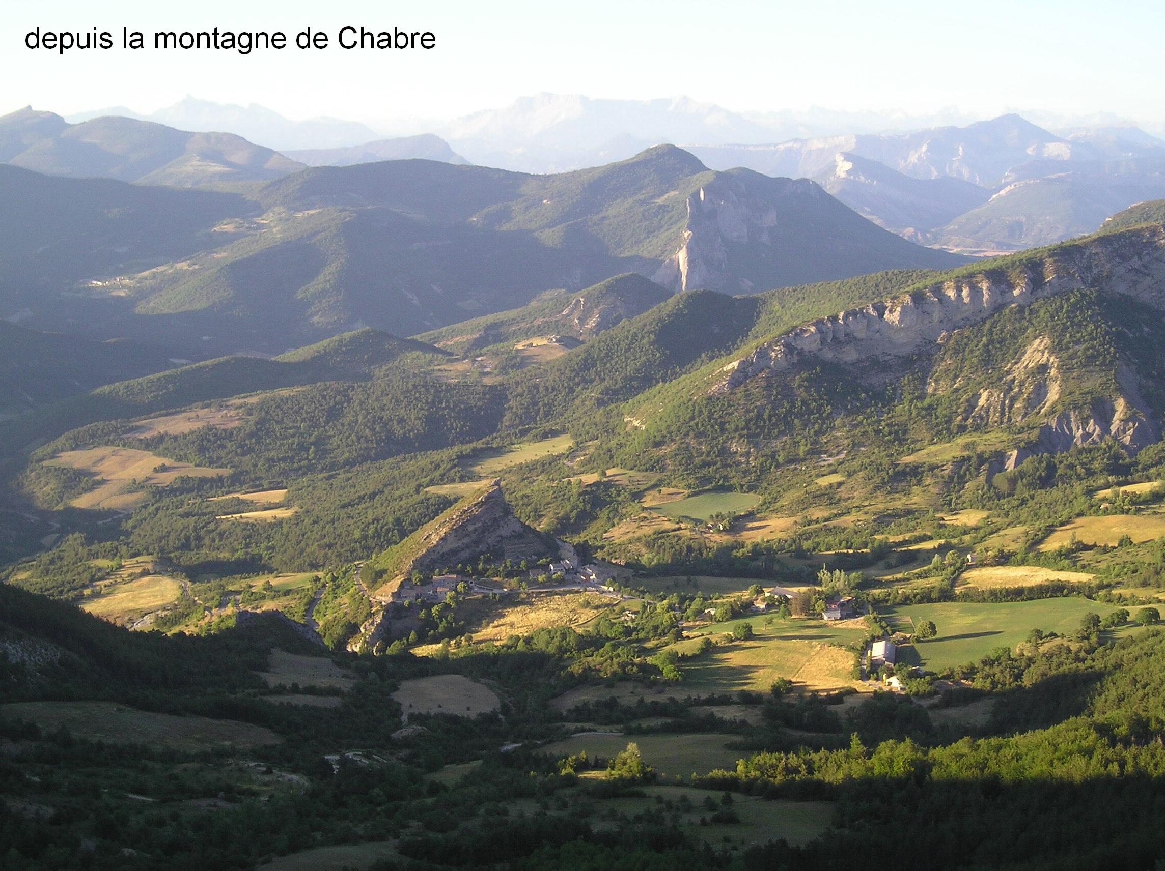 1-site-du-village-depuis-la-crete-de-chabre